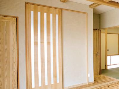 建具類にも素肌にやさしい自然素材をふんだんに使用。戸建住宅、マンションリフォームなど、専用設計のオリジナルデザインでお届けします。|株式会社未来住建