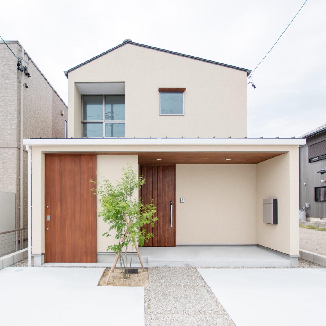 明日家桜井の土間スペース側外観写真。